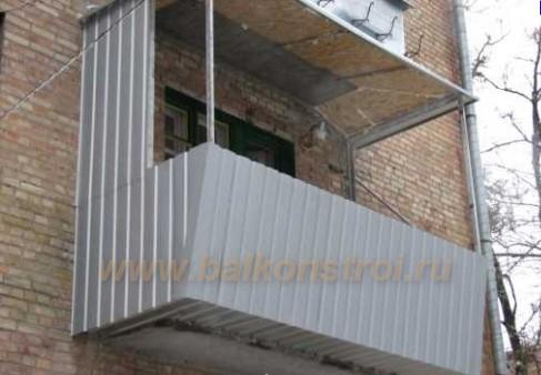 внешняя отделка балкона саидингом