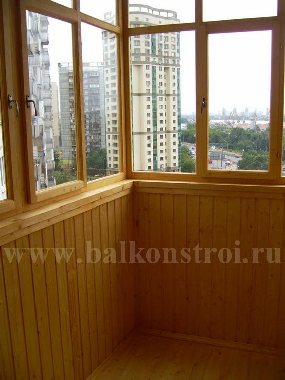ремонт и отделка балкона деревом